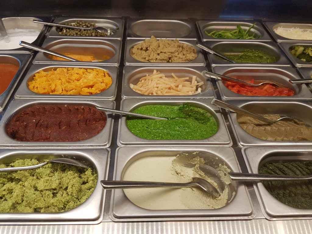 yesempatik-cheftude-makarna-sos-bilgiuniversitesi-renkli-soslar