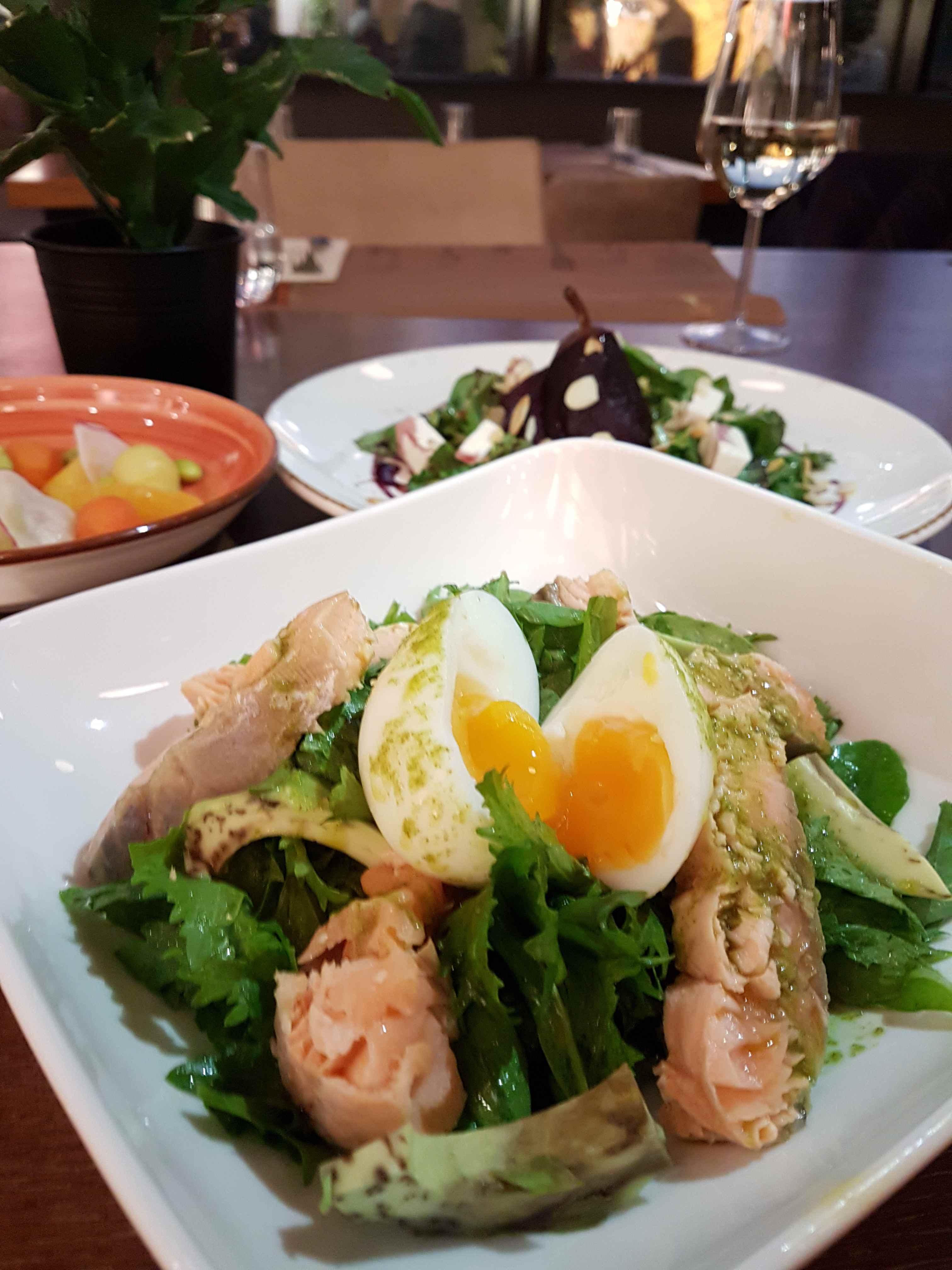 yesempatik-borgo-kitchen-bar-ortakoy-ulus-yemek-pose-yumurta-somon