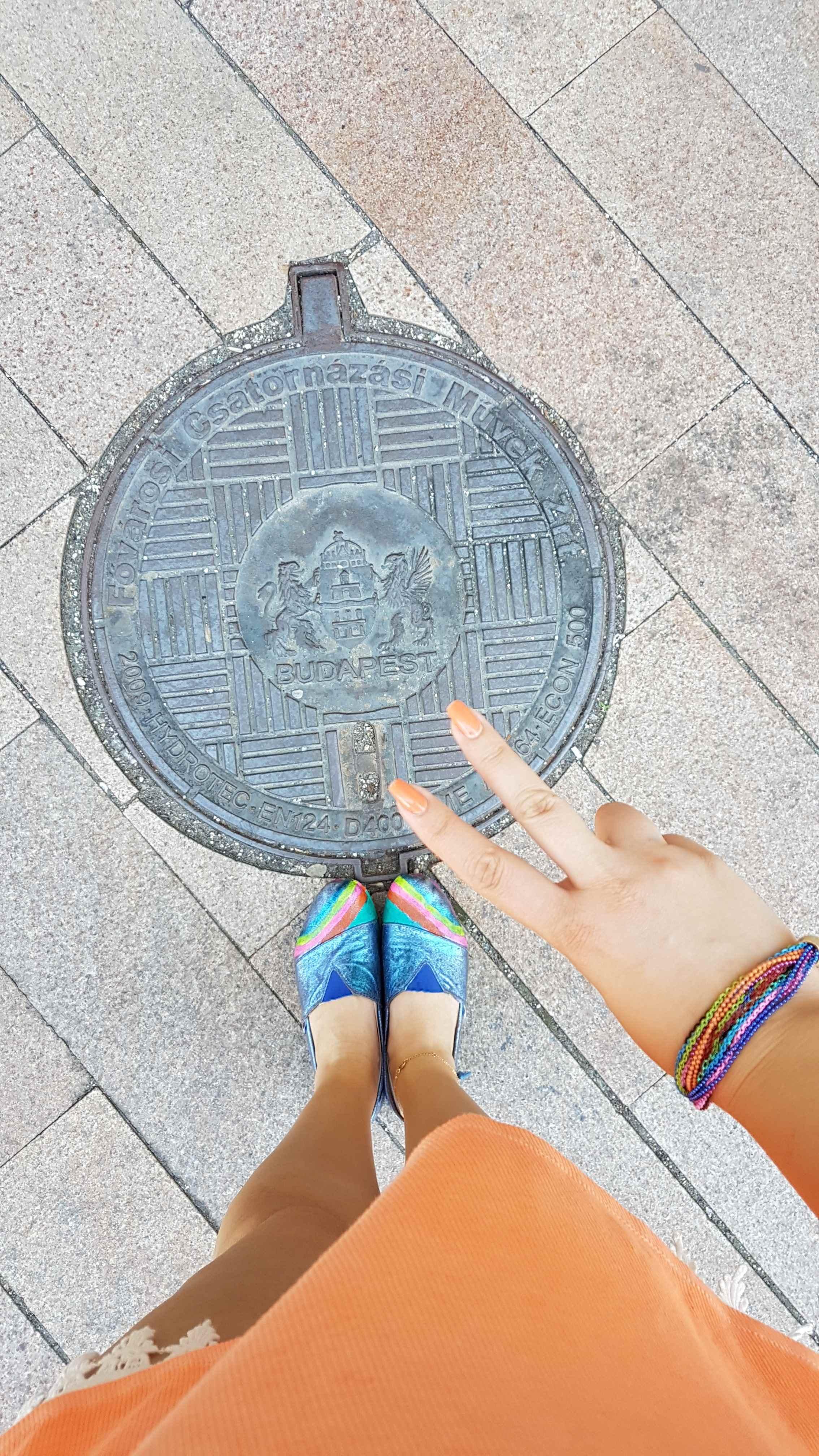 yesempatik-budapeste-gezi-seyahat-manhole