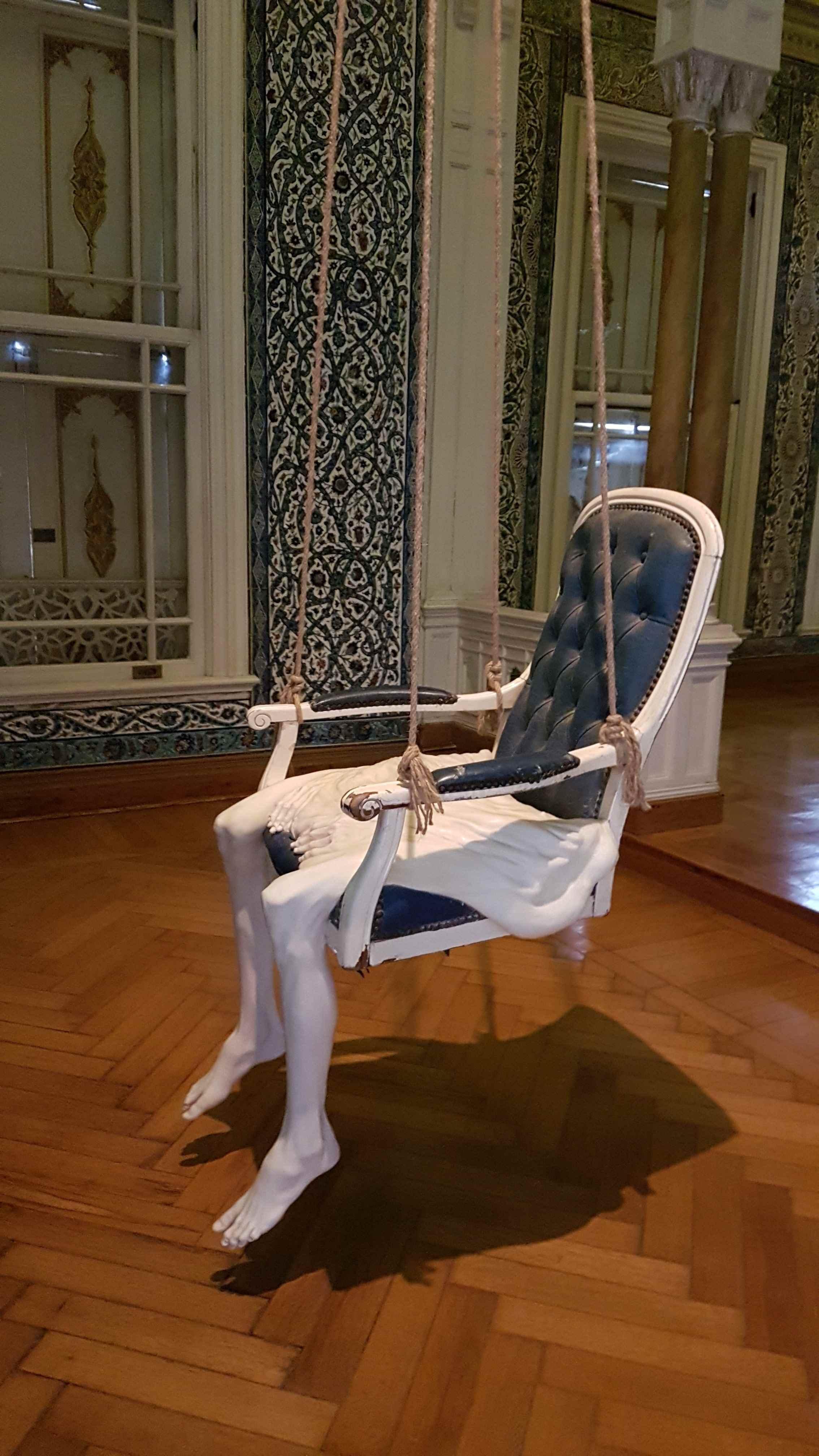 yesempatik-abdulmecid-efendi-kosku-kapi-calana-acilir-bieanal-sandalye