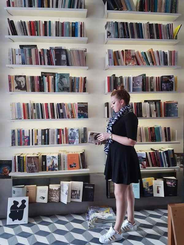 yesempatik-alexandroupoli-mekan-rehberi-yeme-icme-kafka-bookstore-kitap